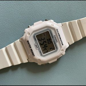 USED! White Casio watch